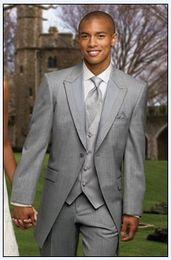 New Style One Button Groom Tuxedos Light Grey Best man Suit Wedding Peak Lapel Men Suits Bridegroom (Jacket+Pants+Tie+Vest) F428N