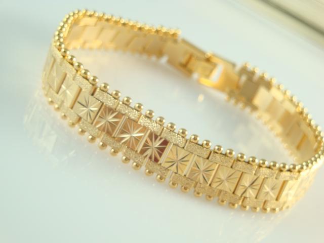 Gold Watch Design