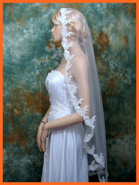 Wholesale Custom Hot Sale Unique Design Fingertip Ivory Lace Applique Veil For Bridal Gowns Wedding Dresses