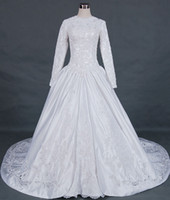 Wholesale Traditional formal beteau neck beaded lace applique satin A line muslim wedding dress bridal gown