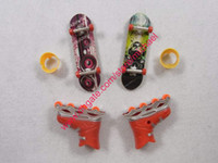 Wholesale Exrreme Speed Finger Skate Board Toys with Roller skates finger skate boards