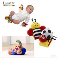 Wholesale Sample Order Lamaze Wrist Rattle Foot Finder Ladybug Bee Plush toy toddler Infant kids toys