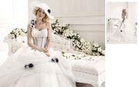 Wholesale Custom Made NEW Elegant Luxurious Black White Ball Gown One Shoulder Organza Wedding Dresses