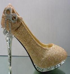2017 chaussures habillées pour les femmes prix Vente en gros Livraison gratuite usine prix nouveau style robe d'or bowknot diamant chaussures de mariage femmes chaussures sexy bon marché chaussures habillées pour les femmes prix