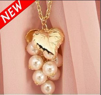 Wholesale Fashion Pearl Grapes Bunch Necklaces With Gold plated leaf Necklace