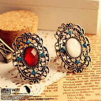 Wholesale Hotting Vintage Hollow Big Gemstone Rings Stylish Small Emerald Large Ring Adjustable Women s