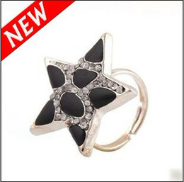 Fashion Five-pointed Star Rings With Black And White Leopard Diamond Ring Free Shipping