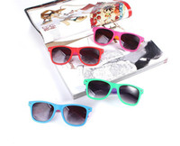 Wholesale FreeShipping Many Colors Brand New Dark Lens Women Sunglasses Mixed Colors UV400 and CE Design