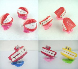 Wholesale NEW Jump teeth creative toy children clockwork funny jump mouth Wind up Toys