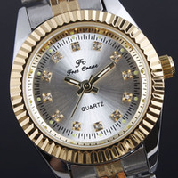 Wholesale Silver Dial Women Crystal Index Golden Index Stainless Wristwatch Delicate Case N