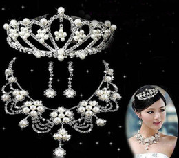 Wholesale ovely bride bridal jewelry sets shining imitation crystal crown necklace earrings