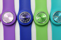 Wholesale 500pcs numeral shiny face silicone slap snap watch Gifts adult slap watch