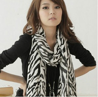 Wholesale Classical Black and White Zebra Heart Round Print Scarf
