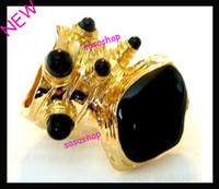 Wholesale Arty Brilliant Stone Finger Ring Dots Octopus Armor Stretch Gold Ring Vintage Punk Ring