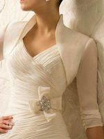 Wholesale Wedding dress beautiful Have a V neckline support wide leather belt flatter new stylish