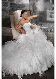 Wholesale 2012 New DHgate Sexy Sweetheart Ball Gown Chapel Train Organza Ruffle Applique Beads Wedding Dresses