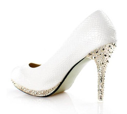2016 New White Women's shoes High-heeled Dress Shoes bride wedding shoes Party SHOES.