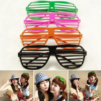 Wholesale Unisex Plastic Shutter Shades Sunglasses Fashion Sunglasses Party Sunglasses Women Sunglasses MY95A