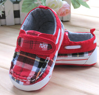 Wholesale 100 Brand Baby Fabric First walker Shoes Velcro Red plaids pairs