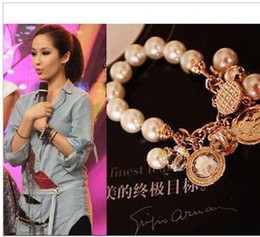 Wholesale 2016 popular beautiful women lady multi pendant pearl bead stretch Charm bracelet hand chain bangle