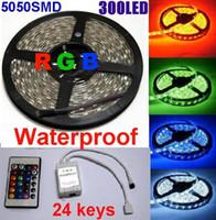 свободный DHL RGB 5050 SMD светодиодные полосы света 300LED Дистанционный ИК контроллер Водонепроницаемый 5м (60led / м) партии Домашнее освещение