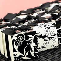 Wholesale 5pcs Wedding Favors Boxes Elegant Square Favors Sweet Boxes withn Blakc Satin RIBBONS Party Candy Boxes