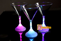 Wholesale 25pcs Flash Led Light Up Martini Glass Party Gadgets for Wedding Celebration Bar Disco