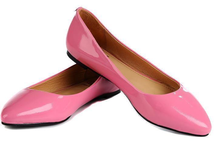 This clip art of pink women's dress shoes is free for personal or commercial use as this clip art is in the public domain. Use this clip art freely on your