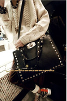 Wholesale Latest Fashionable Shoulder Handbag Metal Rivets Design Pu Bags for Women Black Tote Bag APPA0231