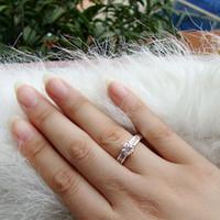al por mayor embed cristal-Vale la pena Tamaño Comprar Mujeres 7 Borrar Topaz Piedra Insertar blanco 18K GF anillo cristalino J0360