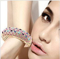 Wholesale Hot sell new unique design Austrian crystal bracelet elegant design