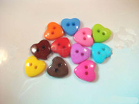 Wholesale 100pcs Heart shaped Holes Resin Buttons Sewing Buttons fastener Scrapbooking Clothes Parts B003