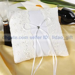 Wholesale Lace Heart Floral Bow Special Wedding Ceremony Accessory Unique Bridal Ring Bearer Pillow