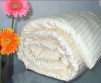 Wholesale White Stripes Pattern King Size Comforter Silk Comforter Silk Filled Satin Cotton Cover
