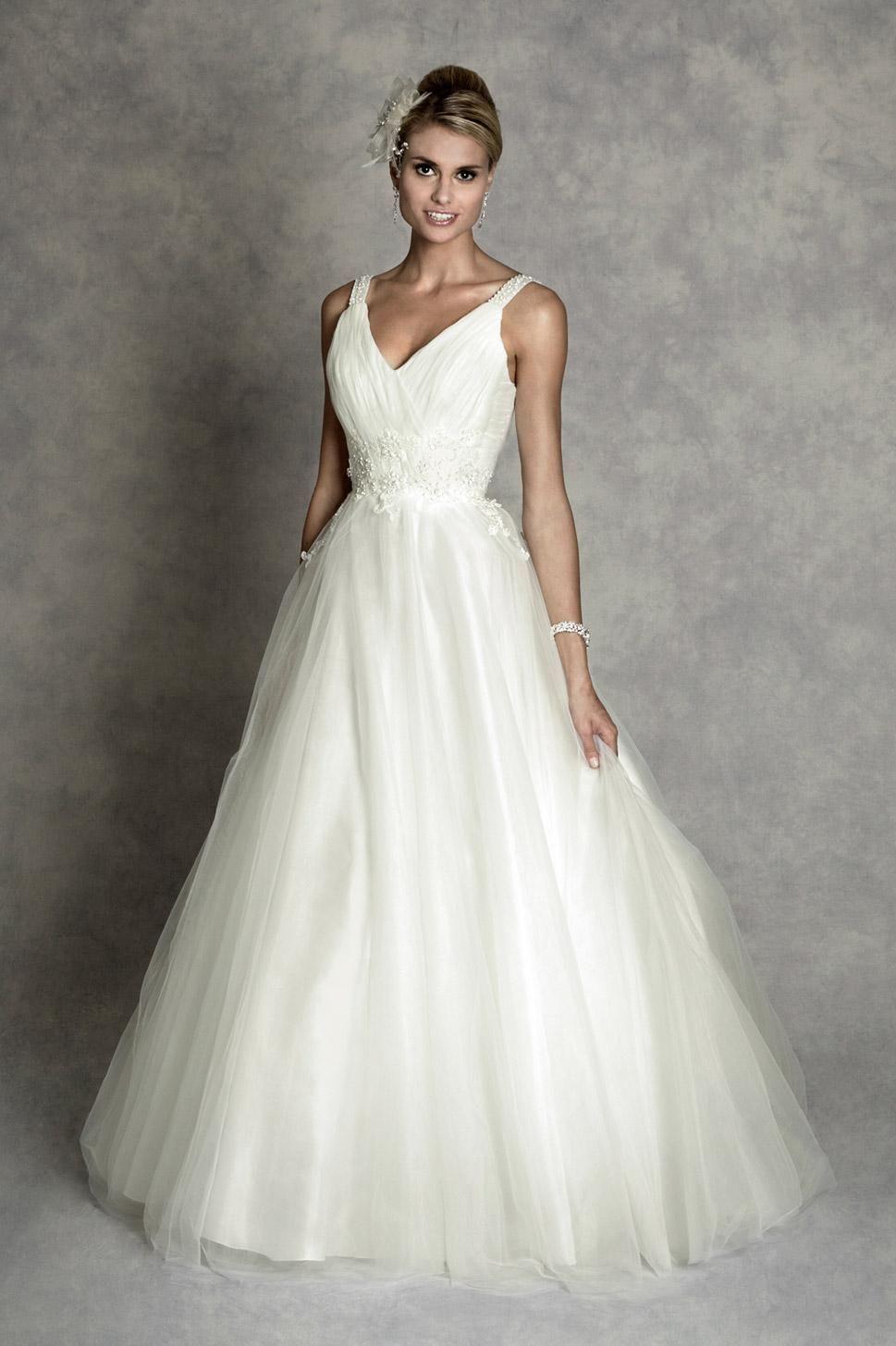 Vintage Wedding Dress Princess Full Train V Neck Embellished ...