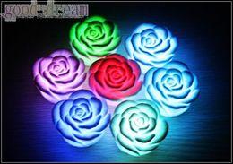 Flotteurs électroniques en Ligne-7 Changement de couleur LED flottante rose Fleur Candle light électronique cadeau chirstmas lampe