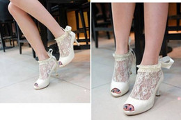 Wholesale Embroidery Lace shoes Party shoes wedding shoes Bridal Shoes of size