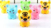 Wholesale South Korea stationery cartoon creative bear tiger mini pencil sharpener to turn a knife