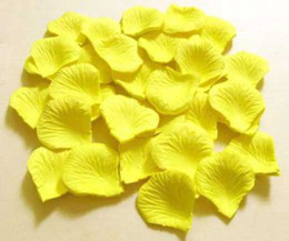 10 bags White   Yellow silk rose petal petals wedding favors party decoration 1000 pcs