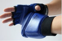 Wholesale Half finger fighting gloves Taekwondo glove Senior Boxing gloves Muay Thai Gloves