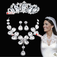Wholesale Stock Royal Shiny Three Pieces Necklace Crown Tiara Earrings Peals Wedding Bridal Sets