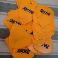 Wholesale To whet a sand surface guitar picks Dunlop Fender etc Major Brand Picks