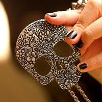 Wholesale hot sell fashion vintage gothic jewelry alloy skull carving flower pendant long sweater necklaces