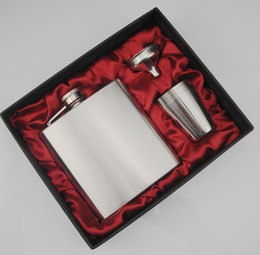 wholesale 6oz stainless flask with 4cups and one funnel in black silk lined gift box ,gift set ,fat