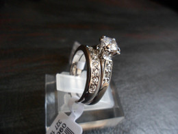 Jewelry Rings Ring Rigant 18k gold-plated finger ring with crystal CZ diamond Rhinestone and case