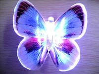 Noche de mariposa España-Luz de la noche de la mariposa de la luz de la mariposa de 12 colores Luz de la noche del bebé de las decoraciones de la sala de la boda de la luz buen embalaje YD01A