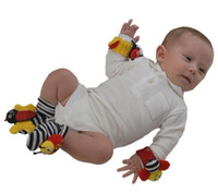 Wholesale Lamaze Wrist Rattle Foot Finder Ladybug Bee Plush toy toddler Infant toys kids toys