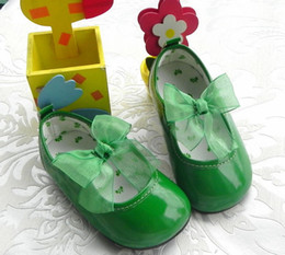 Wholesale little girls dress shoes PU leather shoes hard rubber sole size red hot pink green