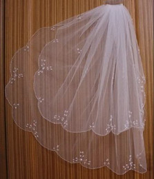 Wholesale 20111HOT SALE T ivory white bridal veil handmade beaded combs wedding accessories