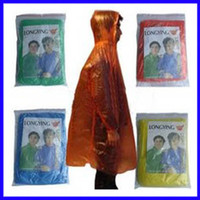 Wholesale 100 Disposable Raincoat PE Rainwear Travel One Time Use Poncho Rain Coat Rain Wear